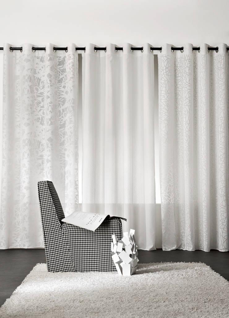 Rideaux prêts à poser>Design>Rayures>ICE CUBE: Maison de style  par So Textil