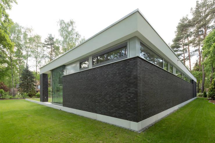 Bungalow by Justus Mayser Architekt