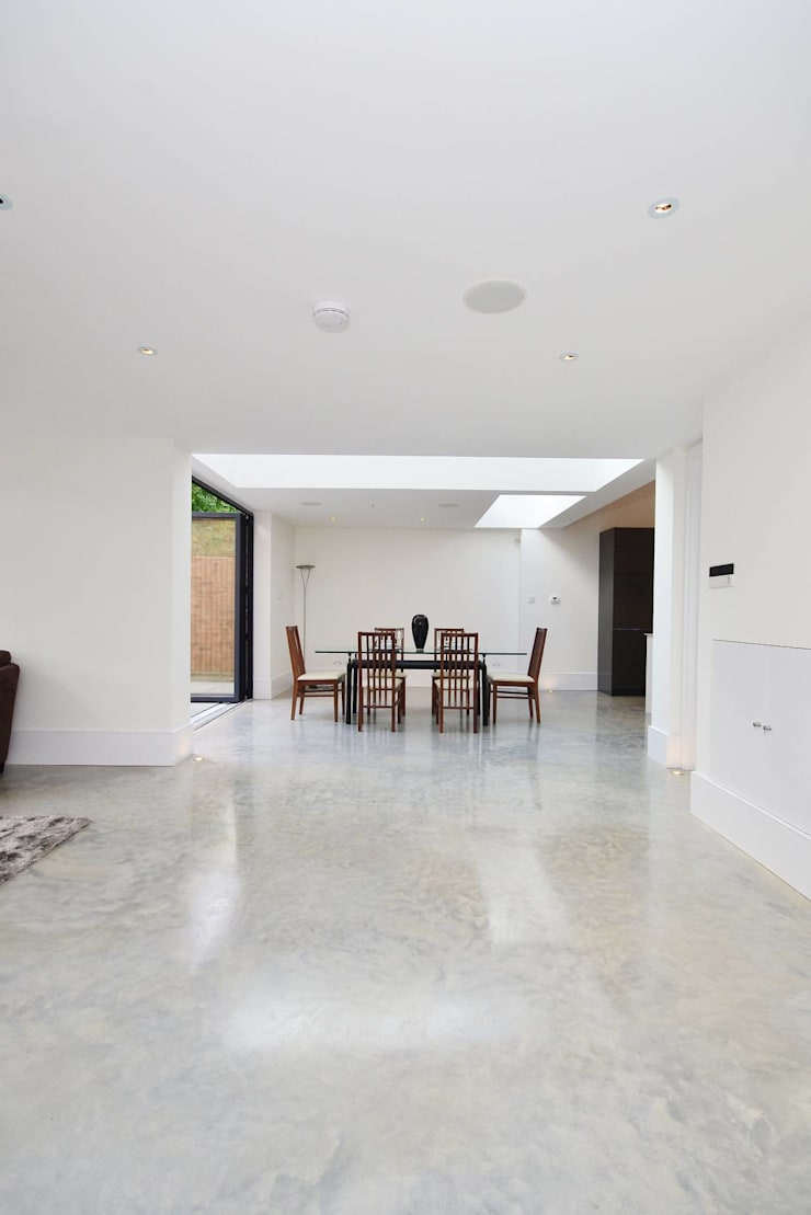 North West London refurbishment and extension:  Dining room by London Refurbishments