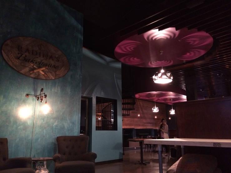 Leaves: styl , w kategorii Gastronomia zaprojektowany przez Archerlamps - Lighting & Furniture