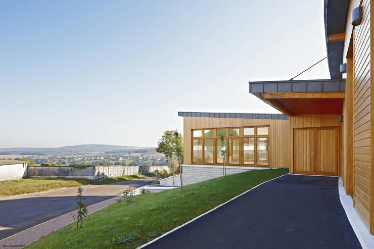 Pôle périscolaire de Venoy (89290): Ecoles de style  par Didier GALLARD ARCHITECTE