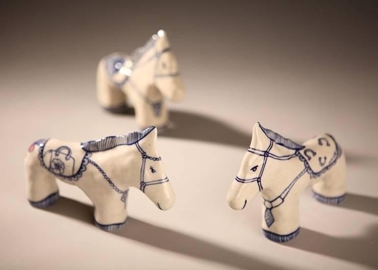 Porcelain horse: joonkor의  사무실 공간 & 가게