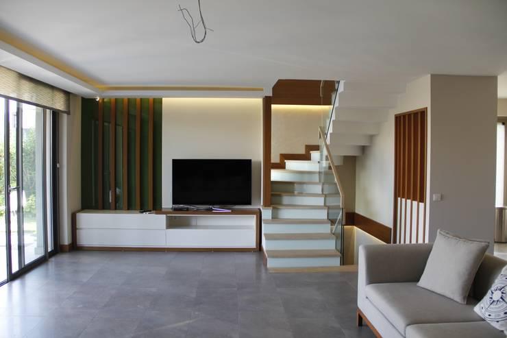 Mimkare İçmimarlık Ltd. Şti. – M.BIÇAKÇI HOUSE BODRUM GUNDOGAN:  tarz Oturma Odası