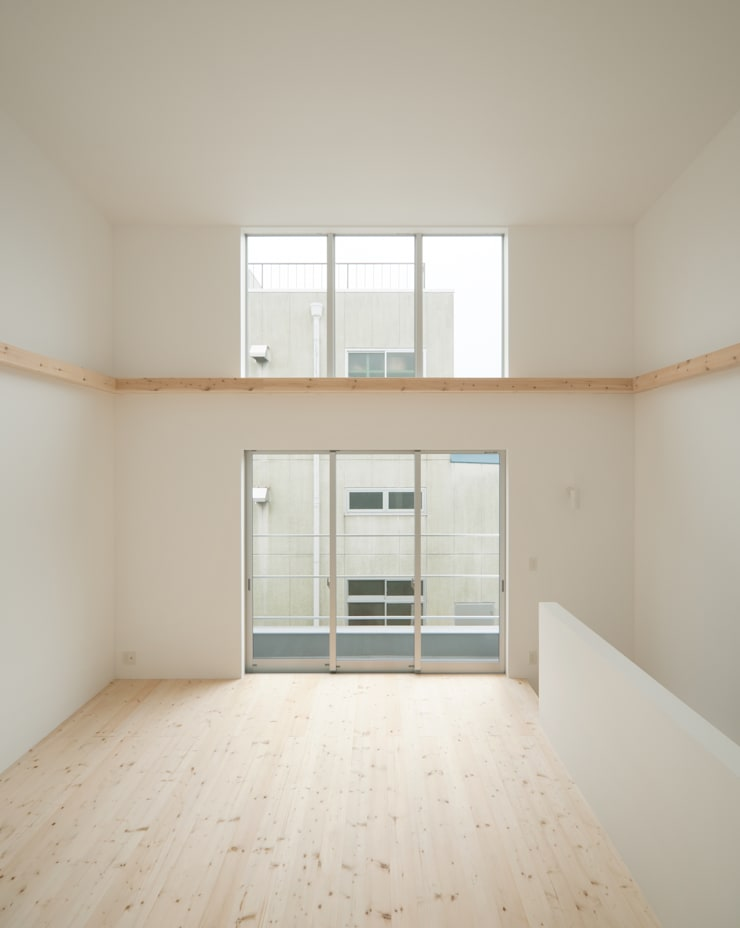 2階 リビング・ダイニング: 井戸健治建築研究所 / Ido, Kenji Architectural Studioが手掛けたリビングです。,北欧