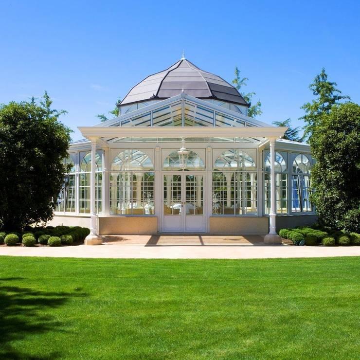 Architektonische Perle in der italienischen Natur: mediterraner Wintergarten von KELLER AG