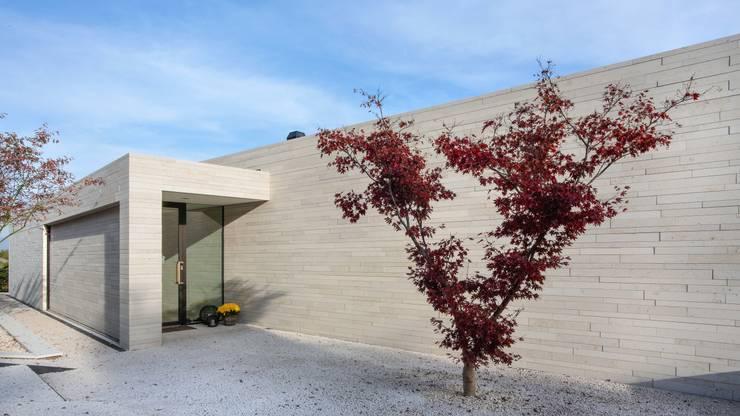 Villa, Vierwaldstätter See - Eingangsbereich: moderne Häuser von Franken-Schotter GmbH & Co. KG