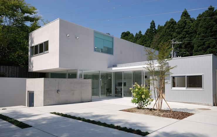modern Houses by 株式会社ブレッツァ・アーキテクツ