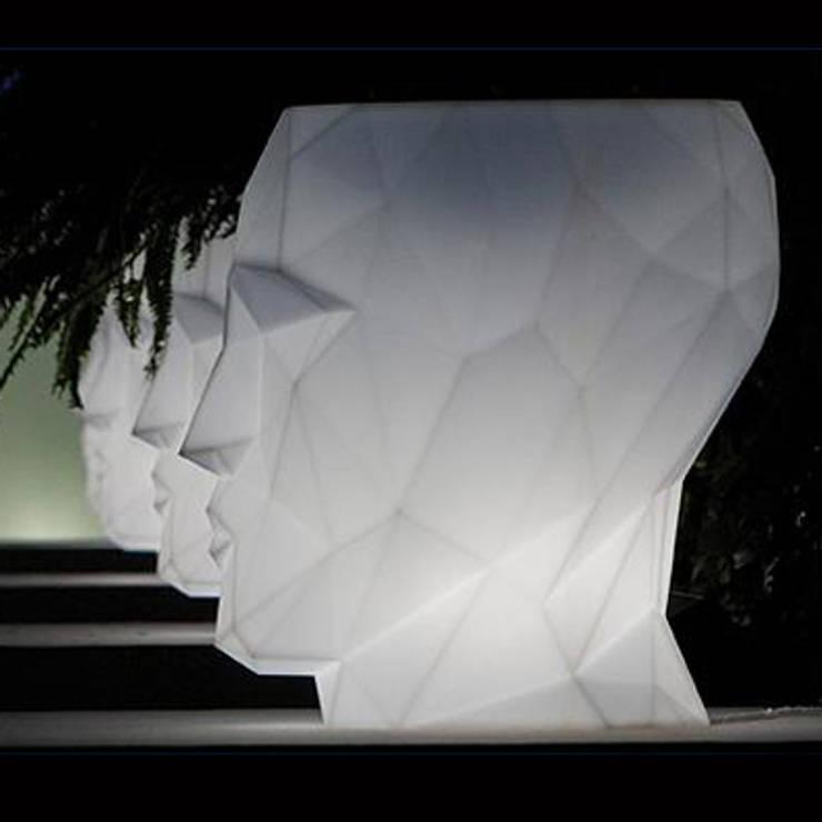 Adan Maceta Iluminada: Jardín de estilo  de Decolight