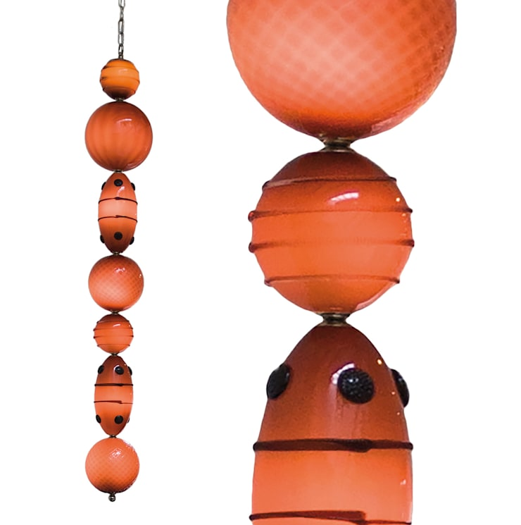 Muurbloem Design Studio Chandelier of Beads:  Woonkamer door Muurbloem Design Studio