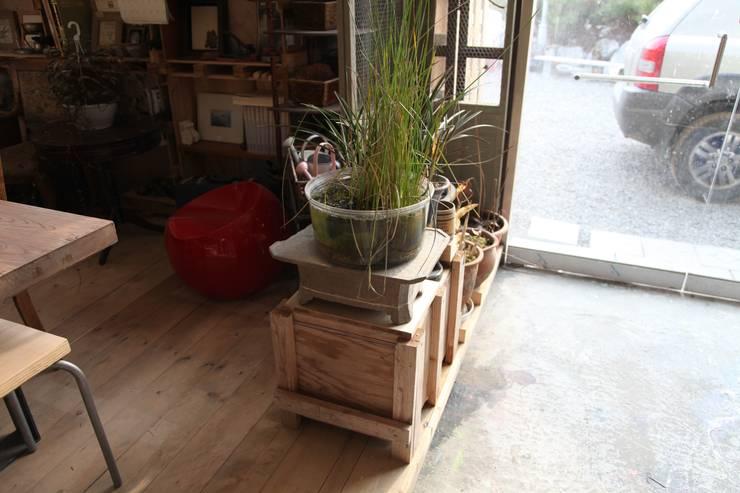 식물이 자라나는 주디자인공방: 주디자인의  서재/사무실