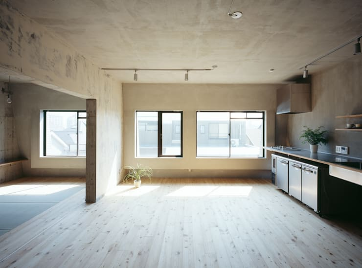 SUGAWAHOUSE: 苅部 寛子建築設計事務所 /OFFICE OF KARIBE HIROKOが手掛けたキッチンです。