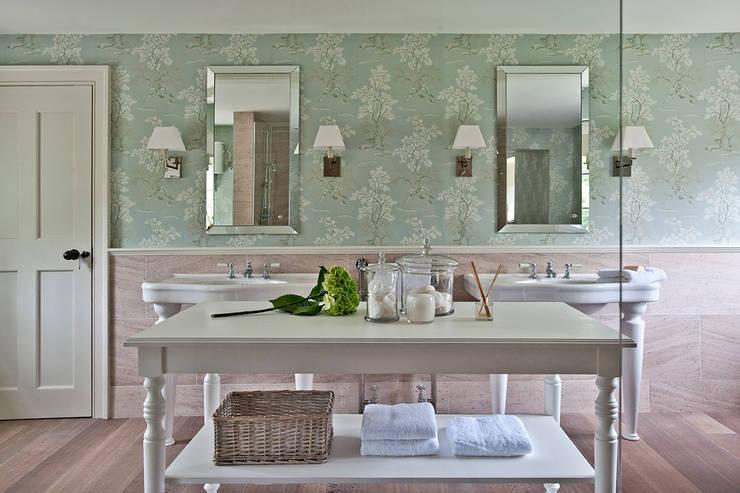 Ansty Manor, Bathroom :  Bathroom by BLA Architects