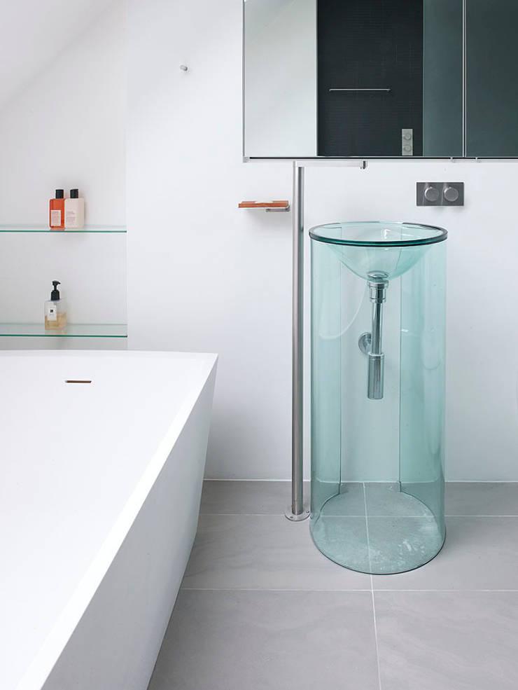 Sheen Lane, Bathroom:  Bathroom by BLA Architects