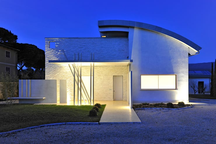 Casas modernas por  INO PIAZZA studio