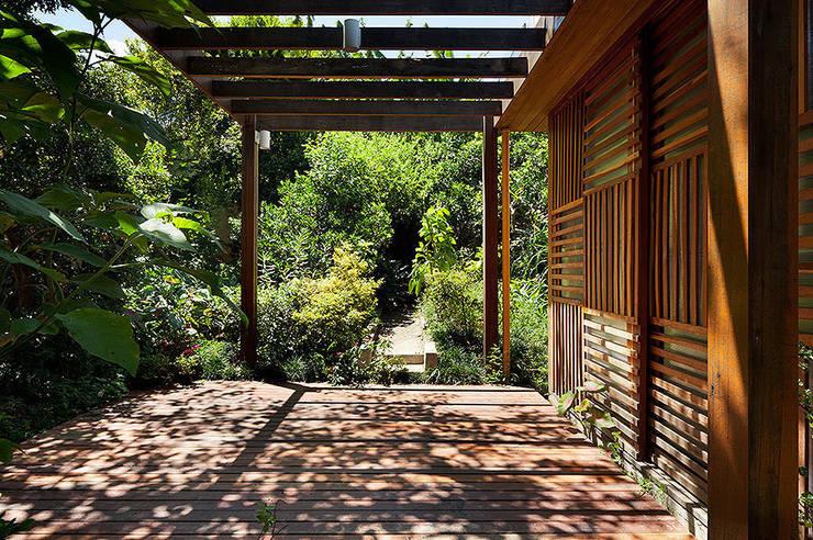 Casas modernas por ODVO Arquitetura e Urbanismo