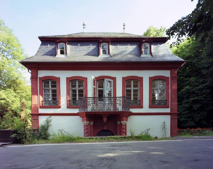 Schloss Erbach-Fürstenau: ausgefallene Häuser von SNAP Stoeppler Nachtwey Architekten BDA Stadtplaner PartGmbB