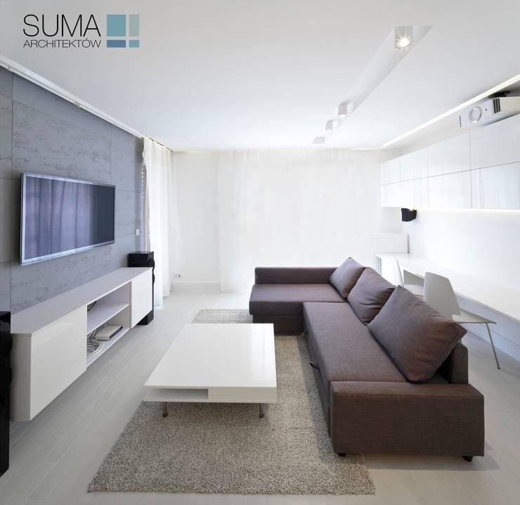 WHITE ONE: styl , w kategorii Salon zaprojektowany przez SUMA Architektów