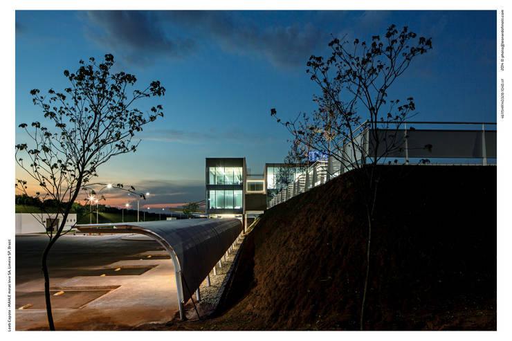 Centro de Distribuição – Mahle Metal Leve: Espaços comerciais  por LoebCapote Arquitetura e Urbanismo