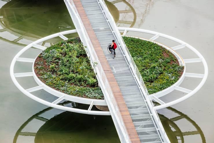 Ponte Friedrich Bayer – Ponte Móvel sobre o Canal Guarapiranga: Aeroportos  por LoebCapote Arquitetura e Urbanismo