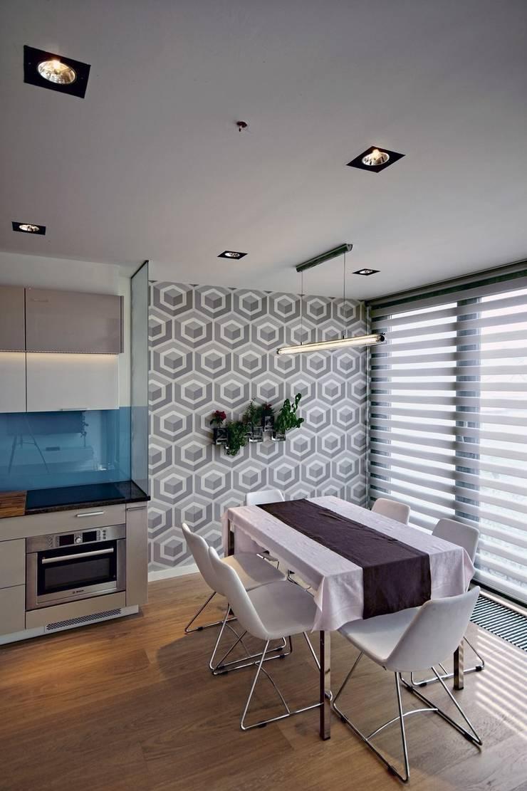 Bliźniak w Pychowicach: styl , w kategorii Jadalnia zaprojektowany przez SHOQ STUDIO Architektura i wnętrza
