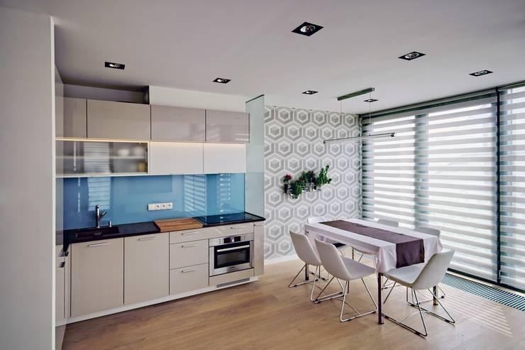 Bliźniak w Pychowicach: styl , w kategorii Kuchnia zaprojektowany przez SHOQ STUDIO Architektura i wnętrza