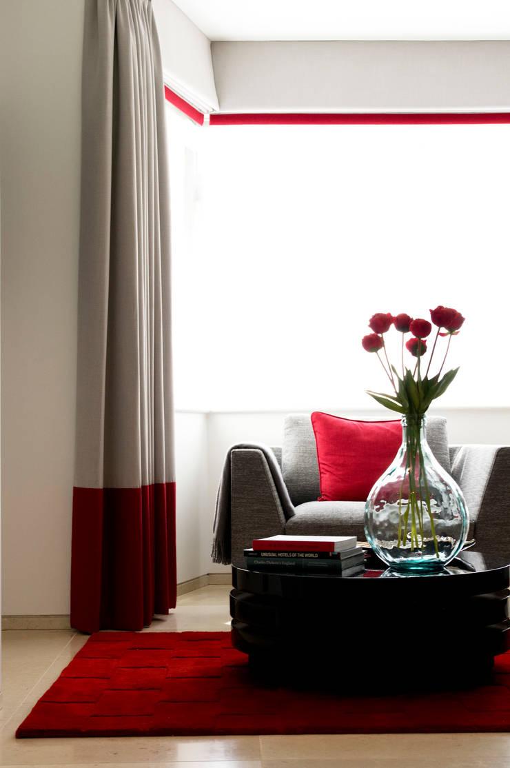 Contemporary Living Room Detail :  Living room by LLI Design