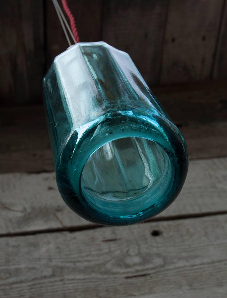 Lampion ryflowany z syfonu szklanego: styl skandynawskie, w kategorii Spa zaprojektowany przez NaNowo Industrial Design