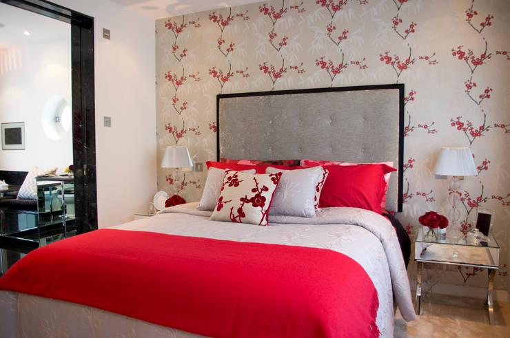 Master Bedroom suite:  Bedroom by LLI Design