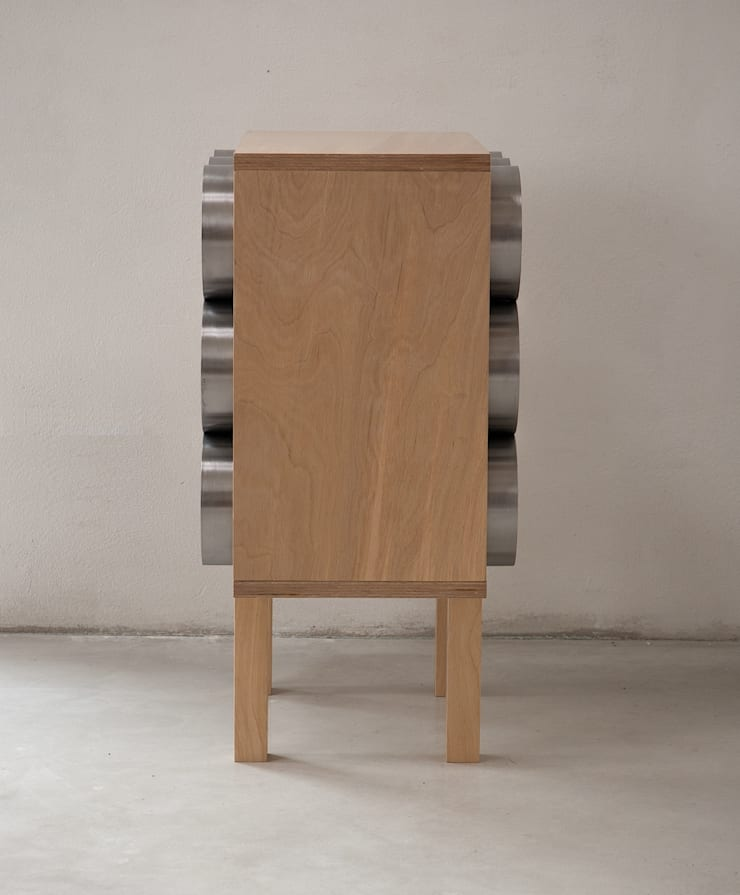 Gazetnik na wino: styl , w kategorii  zaprojektowany przez NaNowo Industrial Design,Industrialny