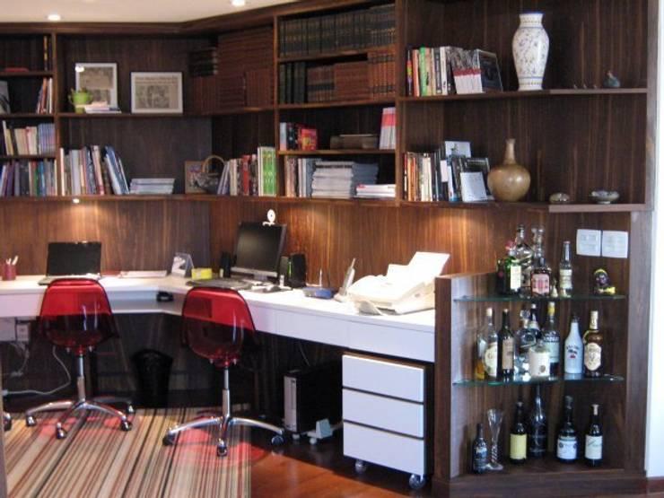 Interiors & Furniture design:  Study/office by Carol Weston Architecture & Interiors