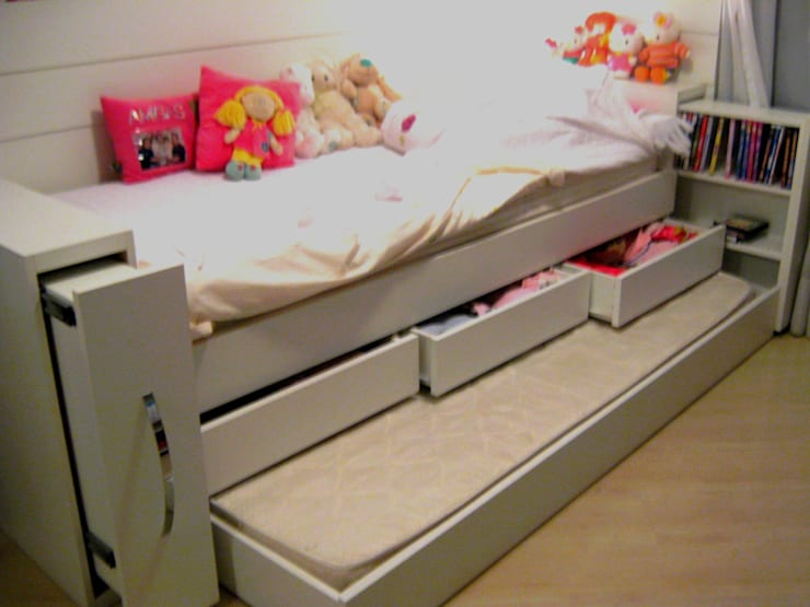 Interiors & Furniture design:  Bedroom by Carol Weston Architecture & Interiors