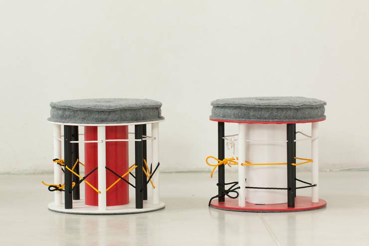 Multicoloured poufs: styl , w kategorii Pokój dziecięcy zaprojektowany przez NaNowo Industrial Design