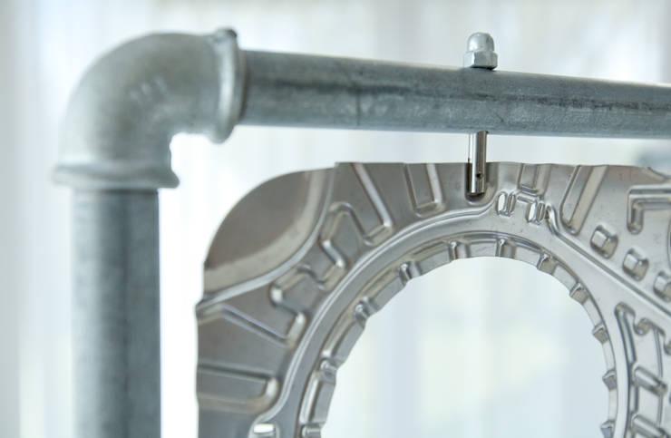 Parawan w ramie z rur hydraulicznych: styl , w kategorii Garderoba zaprojektowany przez NaNowo Industrial Design