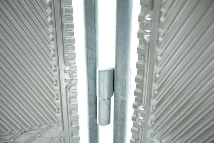 Parawan w ramie z rur hydraulicznych: styl , w kategorii Łazienka zaprojektowany przez NaNowo Industrial Design