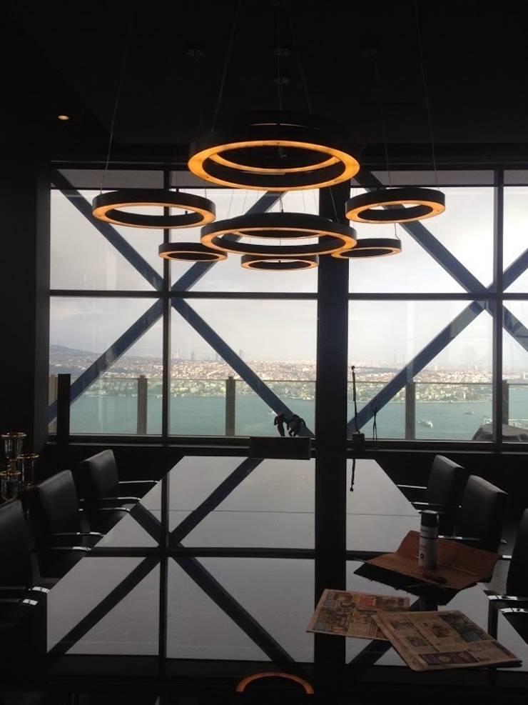AS AYDINLATMA – ACU Ring Lighting: modern tarz Çalışma Odası