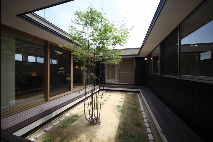 中庭: 青木昌則建築研究所が手掛けた庭です。