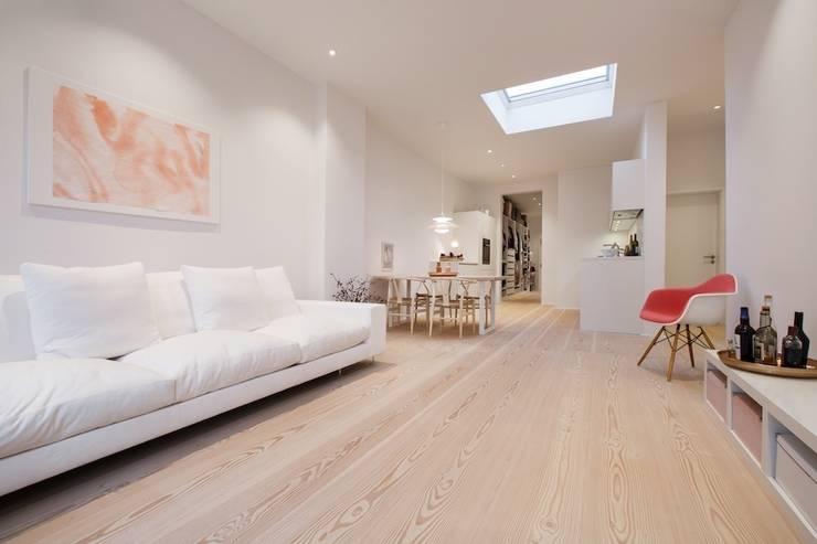 Offener Wohnbereich:  Wohnzimmer von pur natur