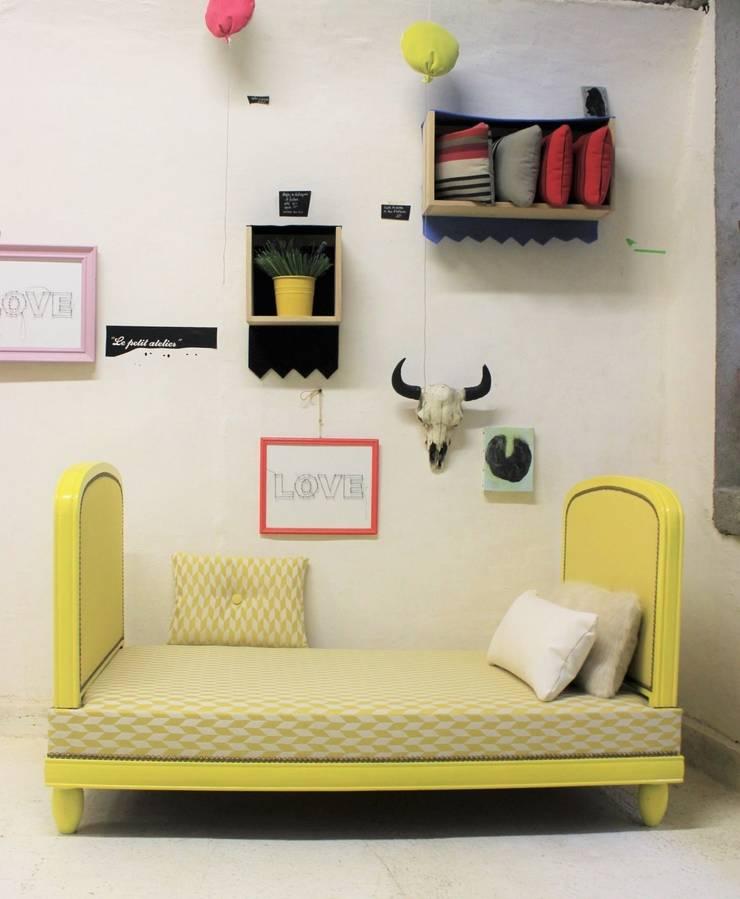 We love P. Frey: Salon de style  par Atelier jeux de lin