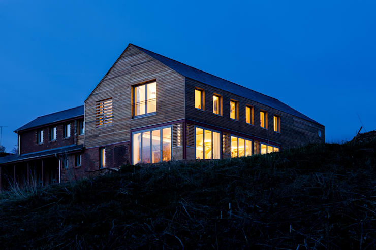 House at night:  Houses by Whitaker Studio