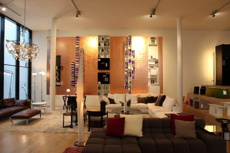 Kupferwand mit Kupferblättchen von Margret Weirauch - Ihre Raumentfaltung:  Geschäftsräume & Stores von Margret Weirauch - Ihre Raumentfaltung