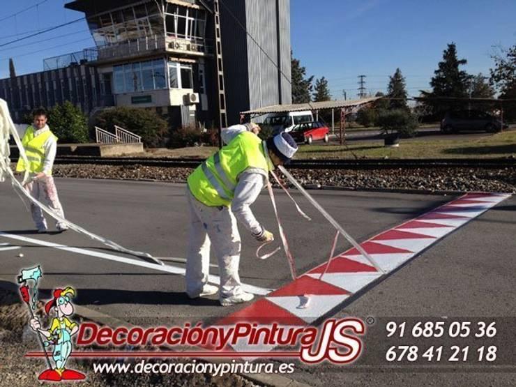 Decoración y Pintura JS: Paredes y suelos de estilo  de Decoración y Pintura Profesional JS