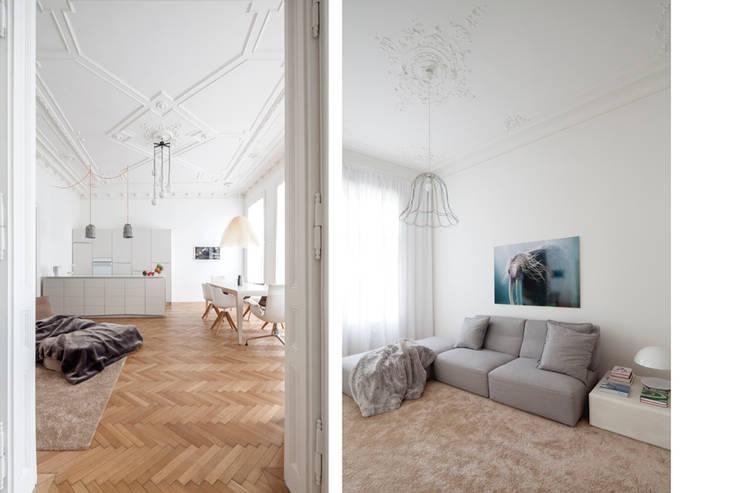 moderne Woonkamer door destilat Design Studio GmbH