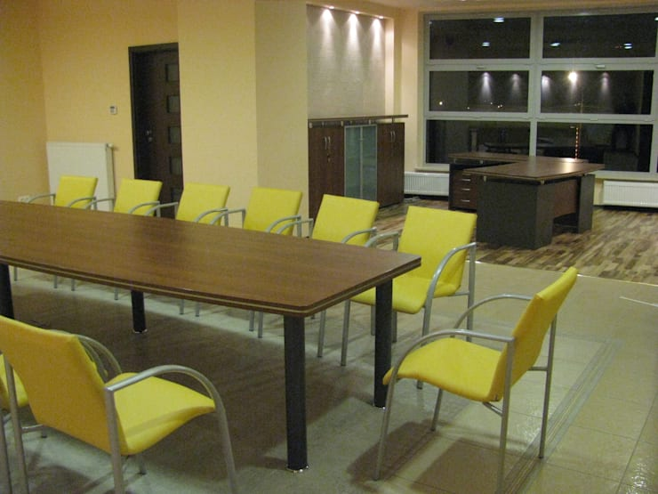 Gabinet i Sala konferencyjna: styl , w kategorii Pomieszczenia biurowe i magazynowe zaprojektowany przez Akson Meble Biurowe
