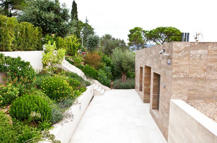 JARDÍ PEDRA I ARIDS S.L.의  정원