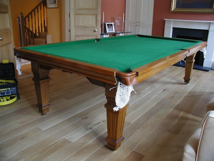 9 ft Heston Convertible Dining Table, suitable for playing snooker or pool.:  Dining room by HAMILTON BILLIARDS & GAMES CO LTD