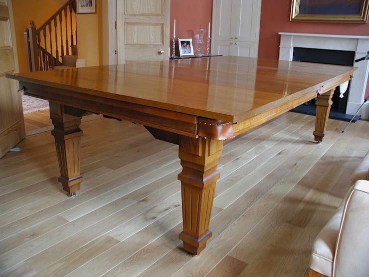 9 ft Convertible Dining Table, with its leaves on.:  Dining room by HAMILTON BILLIARDS & GAMES CO LTD