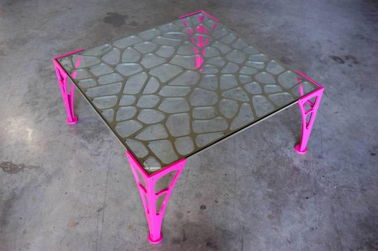 """Table basse """"BARDANE"""": Salon de style  par Coolfabrik"""