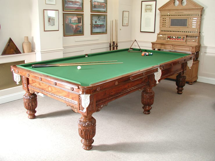10 ft Faulkner Snooker Table made from Sheesham wood.:  Dining room by HAMILTON BILLIARDS & GAMES CO LTD