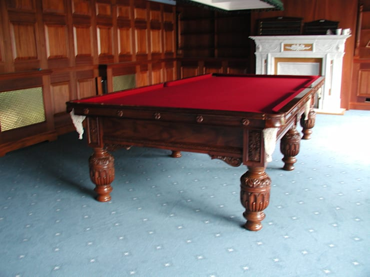 10 ft Faulkner Snooker Table:  Dining room by HAMILTON BILLIARDS & GAMES CO LTD