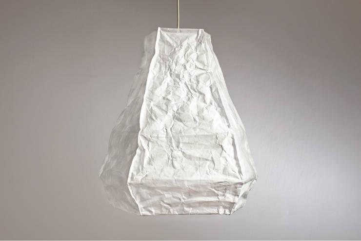 Fit Mama ICEBERG: styl , w kategorii Sypialnia zaprojektowany przez Natural Born Design